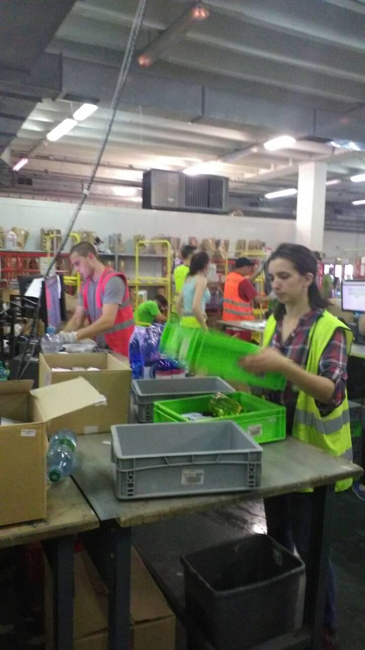 Работа на складе для девушек выставка работа девушки